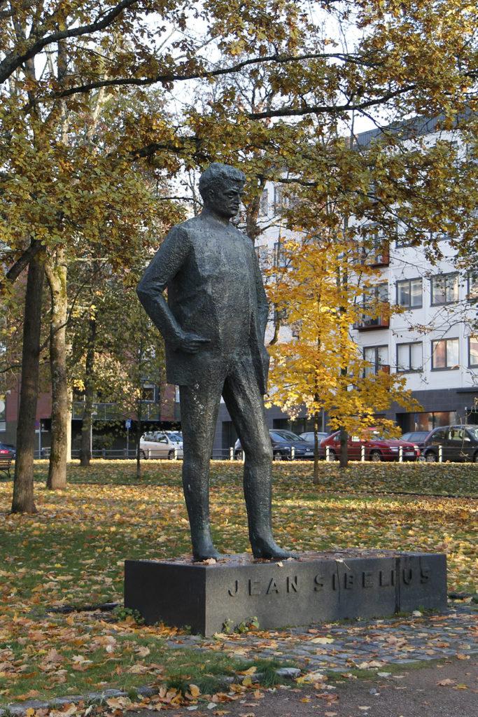 Kain Tapper, Jean Sibelius (Nuori Sibelius), 1964, pronssi, kuva Reima Määttänen, Hämeenlinnan taidemuseo
